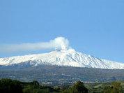 Крупнейший вулкан Европы напомнил о себе