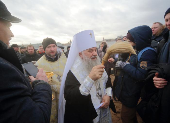 РПЦ проводит подготовку священников для помощи больным COVID-19