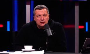 """""""Мелкий и мягкий"""": Соловьёв раскритиковал Шнурова за вопрос Путину"""