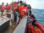 У Филиппин перевернулся пассажирский паром.  Есть погибшие