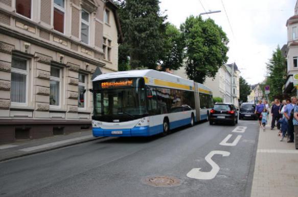 Школьницу выгнали из троллейбуса из-за нехватки рубля на проезд