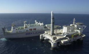 Плавучий космодром прибыл из США и швартуется в российском порту