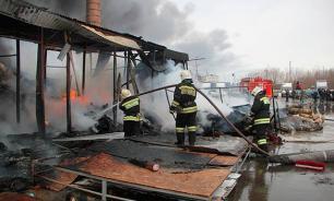Мощнейший пожар в Пушкине: Город в дыму, завод раскален добела