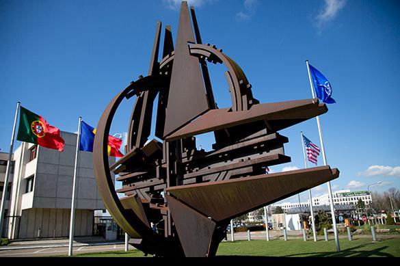 Экс-глава Пентагона сделал сенсационные признания о НАТО и Крыме