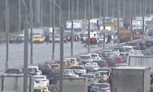 На МКАД в ДТП попали 11 автомобилей