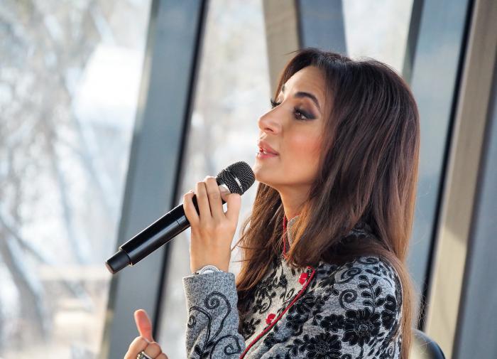 Певица Зара подарила своим поклонникам премьеру песни
