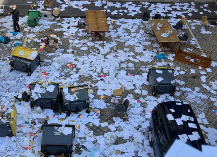 Успешный штурм ратуши: в Париже против трудовой реформы протестуют мусорщики