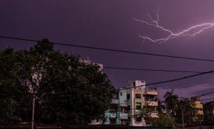Из-за ударов молнии в Индии умерло более двадцати человек