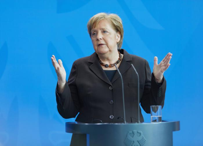 В Германии создали плюшевого медведя, похожего на Ангелу Меркель