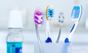 Если менять зубную пасту, нужно менять и щетку