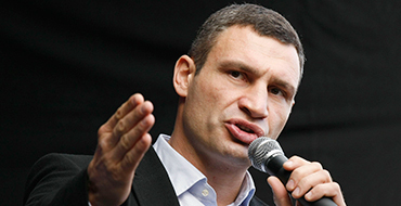 Яценюк и Кличко официально отказались войти в правительство Януковича