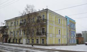 В Самару привезли памятник Эльдару Рязанову