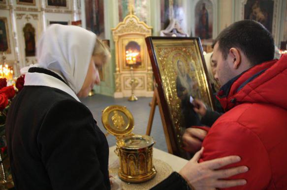 Должникам по кредитам посоветовали помолиться святым мощам