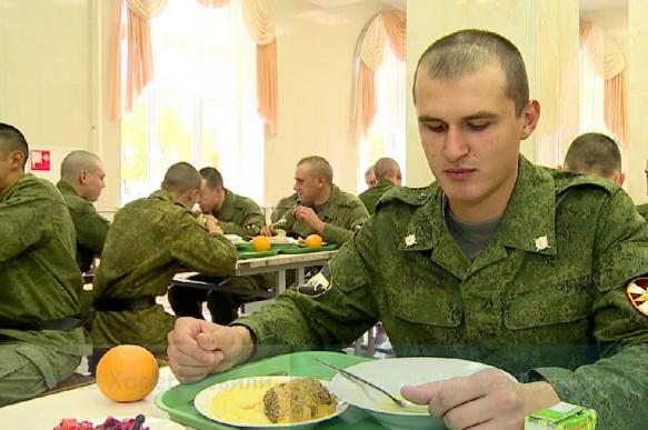 """Комсомольск-на-Амуре: на питании солдат """"обогатились"""" на 49 млн рублей"""