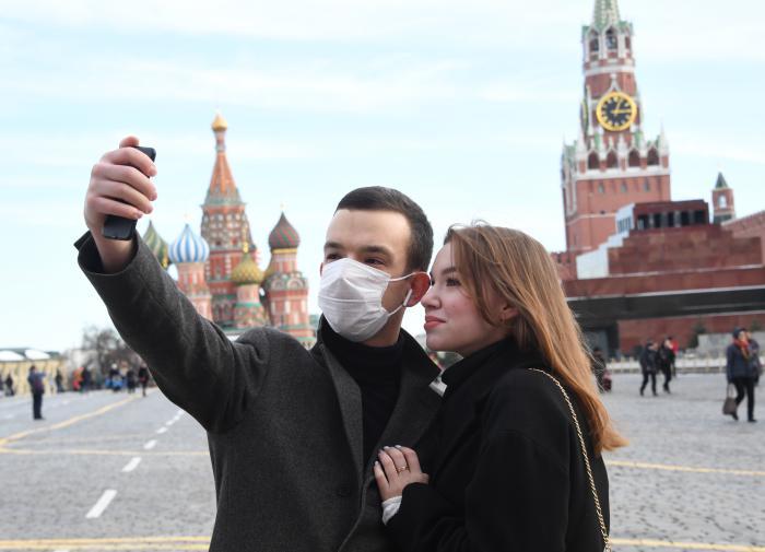 """России грозит """"тройчатка"""" - коронавирус, грипп и ОРВИ"""