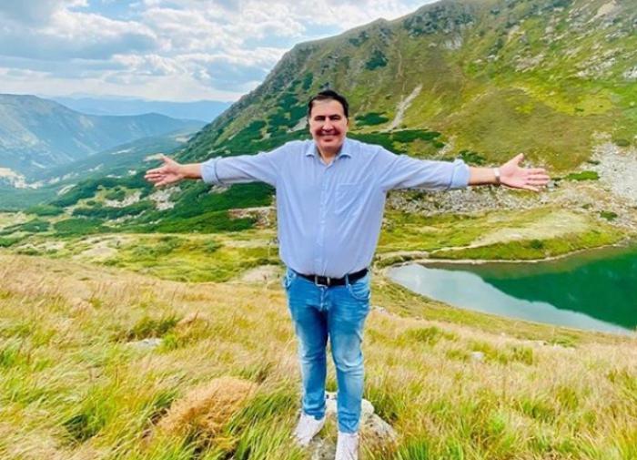 В Грузии ждут возвращения Саакашвили и его поддержки в армии