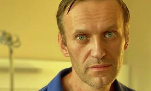 Жириновский предложил аннулировать загранпаспорт Навального