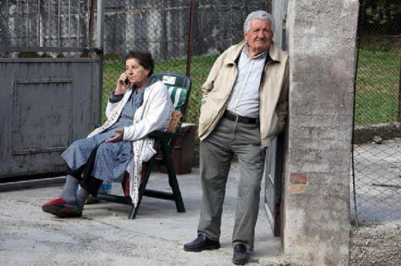 СМИ: из России бежит не только молодежь, но и пенсионеры?