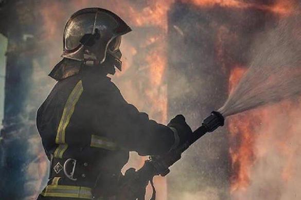 Дети во Владивостоке оказались закрыты в горящей школе