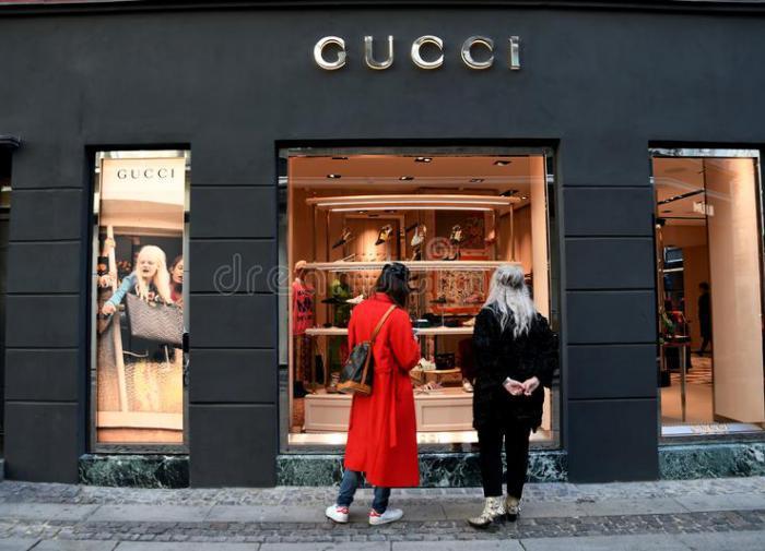 Покупатели не оценили креатив новинки Gucci и высмеяли бренд
