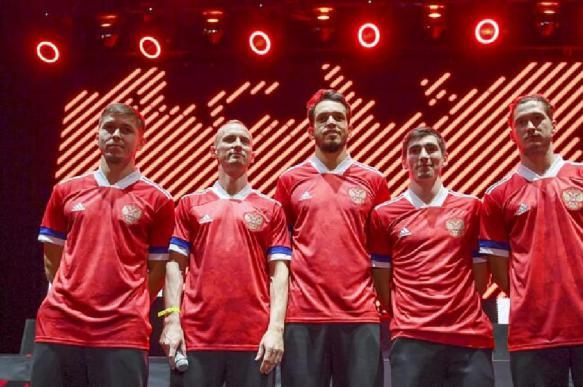 Adidas отреагировал на ошибку с формой сборной России