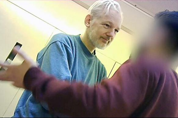 Главред WikiLeaks рассказал о жестких условиях заключения Ассанжа