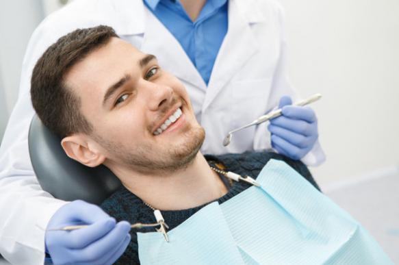 В Германии стоматолог вытащил у пациента зуб длиной 3,7 см