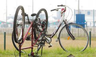 Инспектор ГИБДД бросил умирать сбитого им велосипедиста