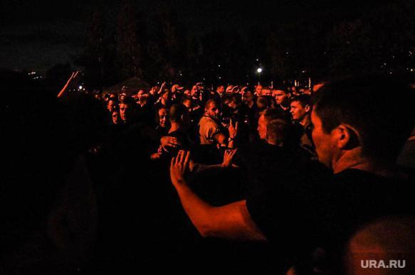 Недовольные строительством храма екатеринбуржцы протестовали всю ночь