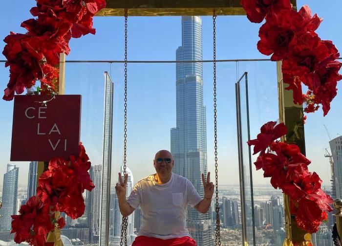 Мама, я в Дубае. Пригожин и Валерия делятся снимками из ОАЭ