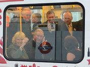 Принц Чарльз с супругой поразили пассажиров метро в Лондоне