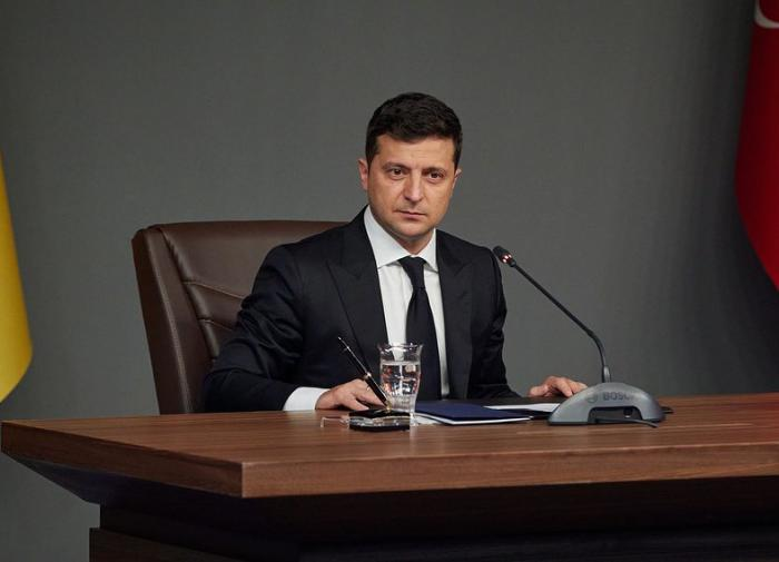 Зеленский стал таким же дёрганым, как и Саакашвили