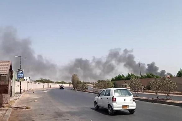 В Пакистане при попытке посадки разбился пассажирский самолет