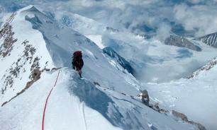 Российские альпинисты первыми покорили семитысячник Тулаги в Непале