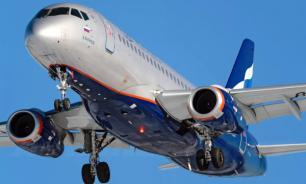 Самолет SSJ-100 с отказавшим двигателем приземлился в аэропорту Тюмени