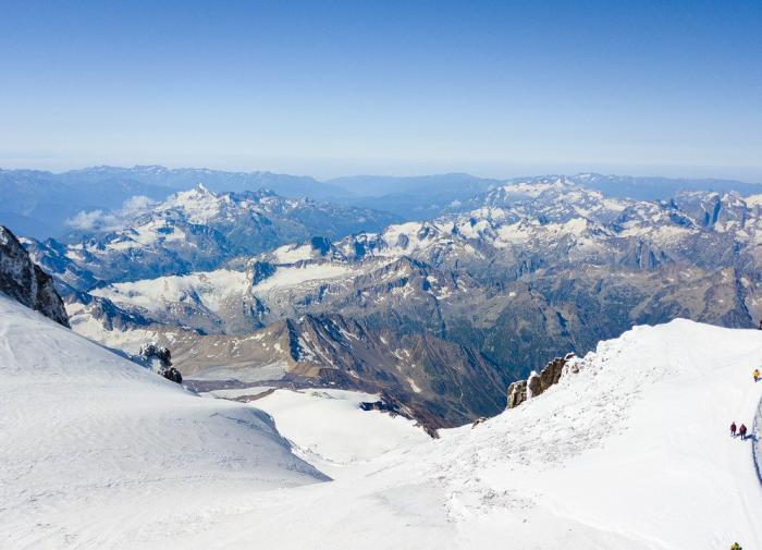 На Эльбрусе нашли потерявшихся московских альпинистов