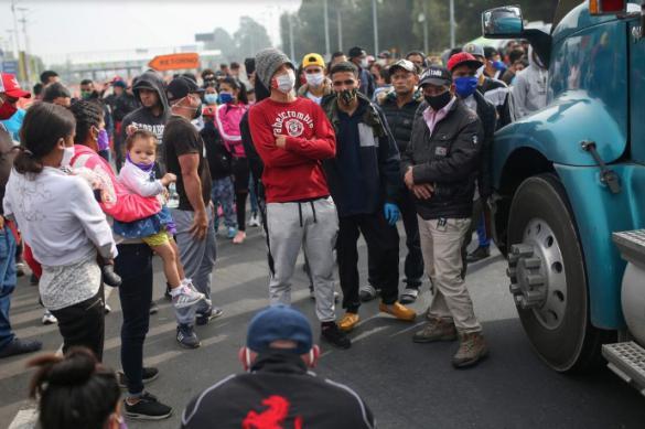 Венесуэльские мигранты блокируют дороги в Колумбии