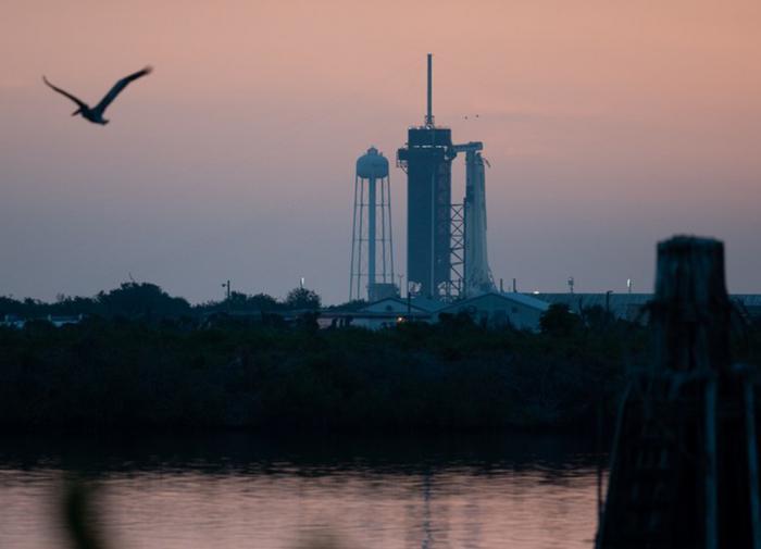 SpaceX и NASA готовы к запуску коммерческой ракеты к МКС