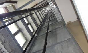 В доме на западе Москвы лифт с десятью жильцами сорвался в шахту