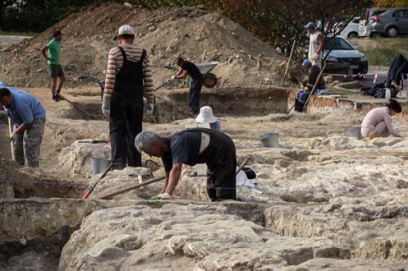 Фрагменты стен первых жилых домов Севастополя обнаружены археологами