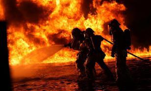 На Варшавском шоссе в Москве загорелся склад тканей