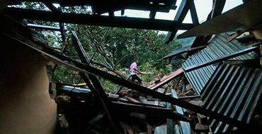 Власти Шри-Ланки сообщают о 100 погибших из-за оползня
