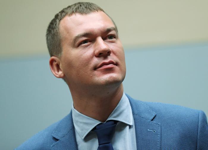 Михаил Дегтярёв показал паспорт с новой пропиской