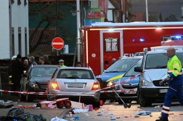 30 пострадавших: в Германии автомобиль врезался в толпу на улице