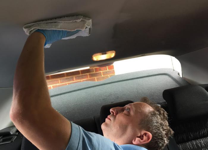 Грязный потолок в машине и как его помыть