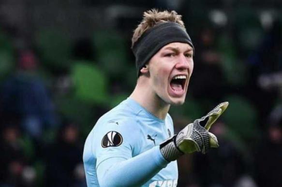 Сафонов признан лучшим вратарем Лиги Европы на этой неделе