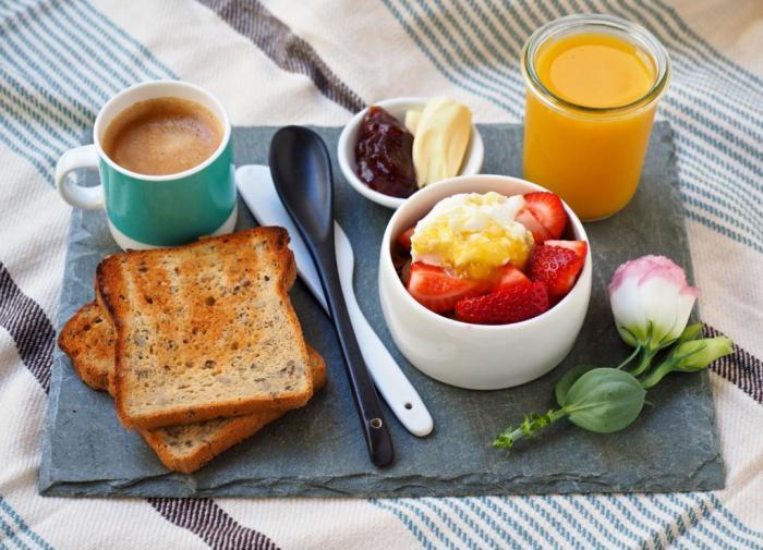 Регулярный завтрак способствует сохранению нормального веса