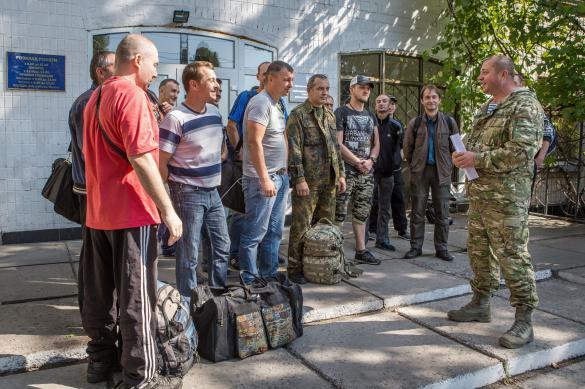Заробитчан, вернувшихся на Украину, будут трудоустраивать в ВСУ