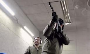 Видео: ветеран спецназа США обалдел от русского автомата