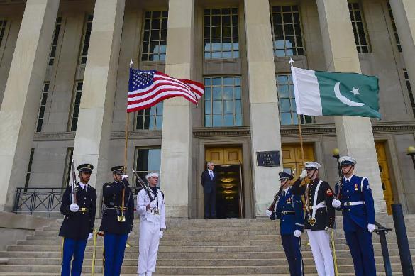 Почему Трамп заморозил финансовую помощь Пакистану?